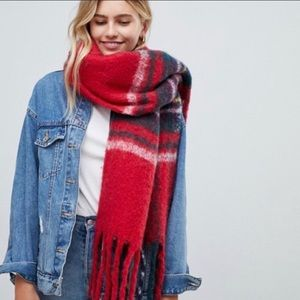HOLLISTER Plaid blanket scarf